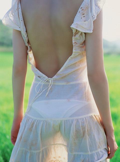 こんなに綺麗なら1日中ベロベロ舐め回したい背中フェチ画像