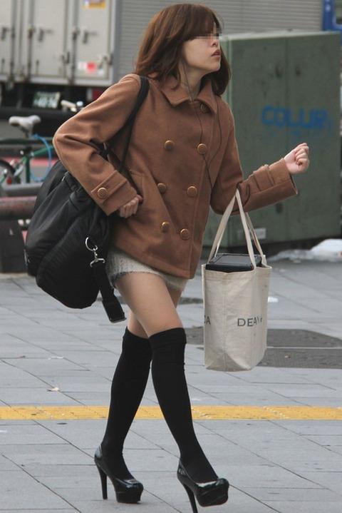 街で見かけたニーハイ女子撮ってきたけどいる?