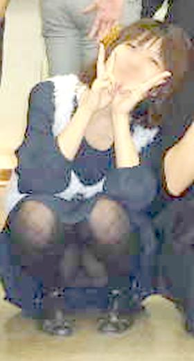 集合写真で座ってる女子を拡大・画像処理した結果