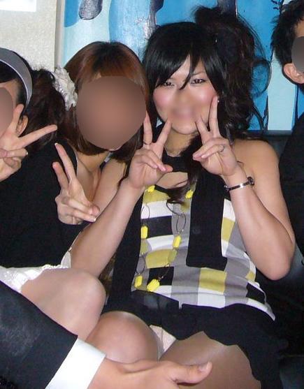 集合写真見てたら前列の女の子がパンチラしてそうだったから拡大してみた結果・・・ 【Part.2】