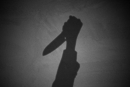 【悲報】生活保護担当の区役所職員が包丁で背中をメッタ刺しにされる