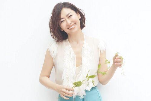 中山美穂さん、「少女な時」の写真を公開!美少女すぎると話題にwww