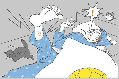 脚がつって激痛…「こむら返り」はなぜ起きる?応急処置&予防法