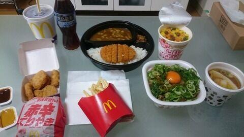 【速報】昼飯買ってきたンゴwwwwwww