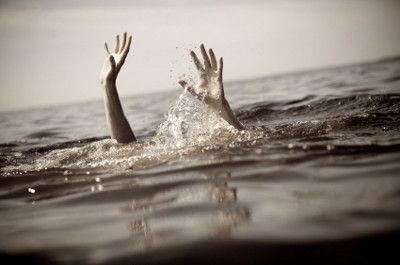 【凄すぎ・・】海に転落した女児を救出した女子中学生の対応がすごすぎるwwwwwwww