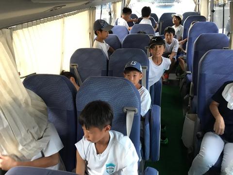 2019上尾遠征バスの中01