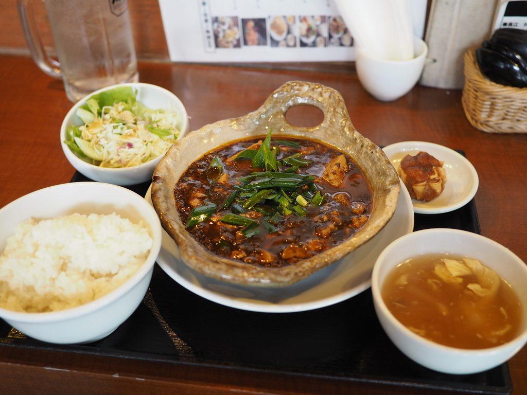 地元で絶大に支持されている町中華の濃厚な旨味の土鍋麻婆豆腐! 京橋 「中国菜飯 味らい」