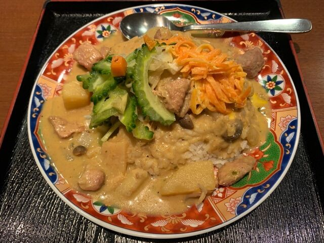今週は、黒豚肉とじゃが芋のイエローカレー♪@肥後橋南蛮亭