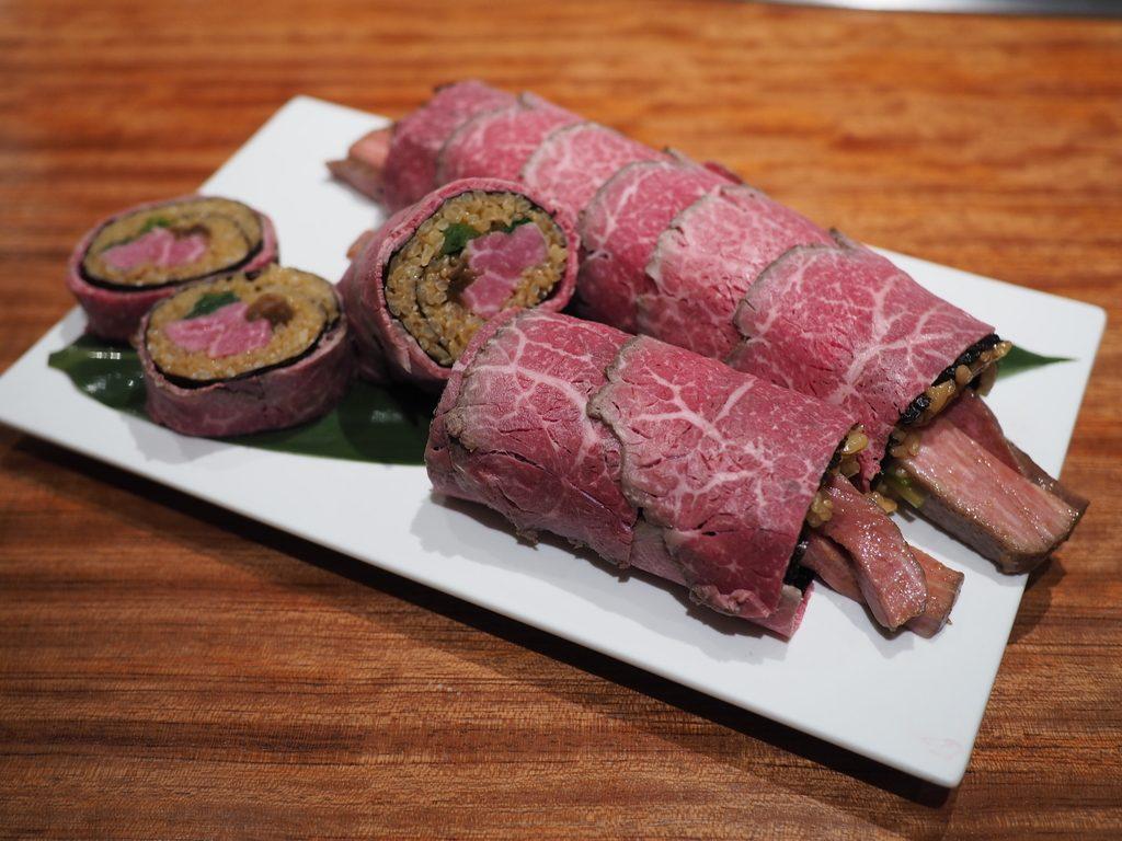 北新地の高級ステーキハウスと高級焼肉店の恵方巻はお肉がとろけるほど柔らかくて甘くて感動的に美味しいです! 「北新地 鉄板焼 名門」 「北新地 焼肉 名門 舌一」
