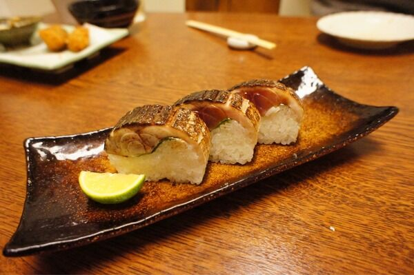 分厚い鯖の棒寿司は必食! 大くぼ 福島