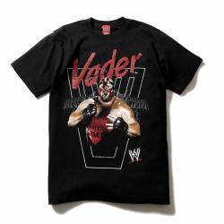 WWE×NINE RULAZ×reversalのトリプルコラボです! VADERの後ろにはMIGHTY CROWN  のサウンドシステムがセットされNINE RULAZらしい音楽感が魅力のTシャツでございます!