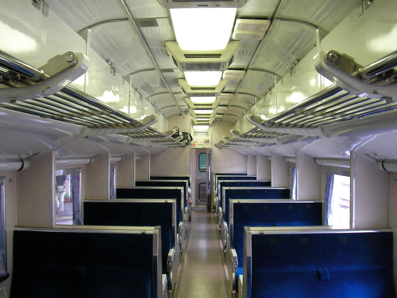 国鉄583系特急形電車 : 鮮魚特急・ボックス席