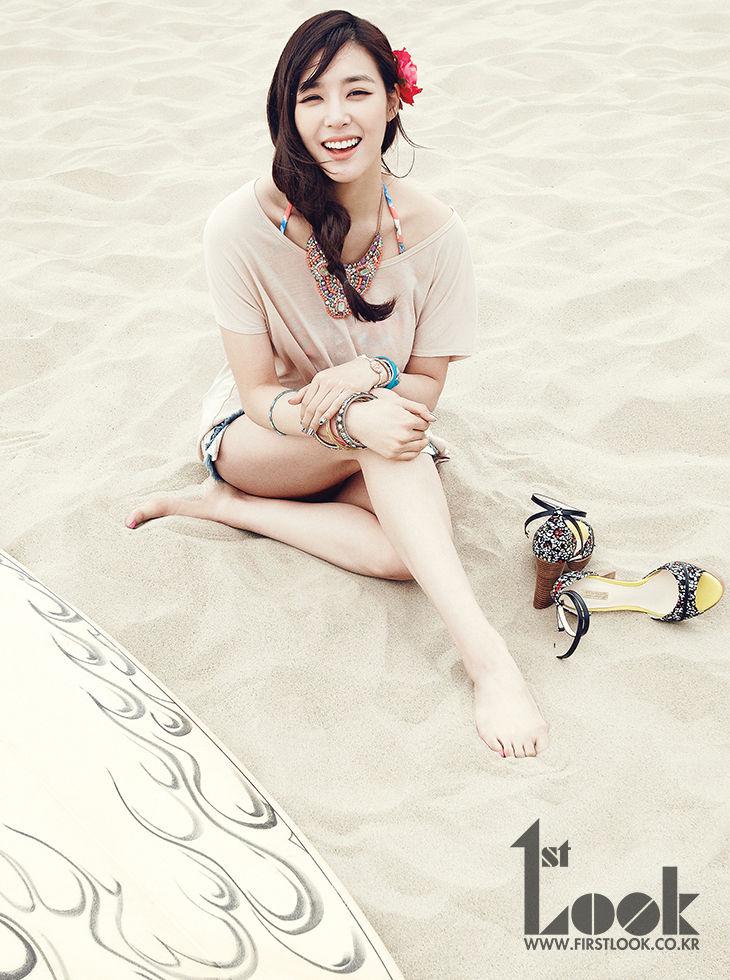 少女時代ティファニー 砂浜