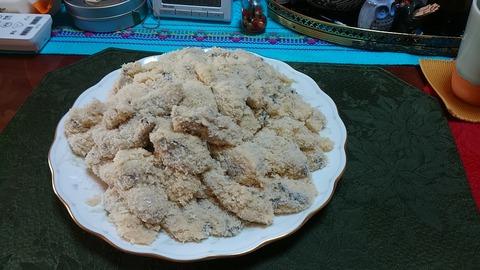 牡蠣フライ揚げる前