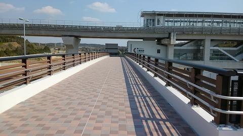 横断歩道橋完成⑦