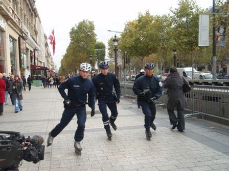 Paris policeman 3