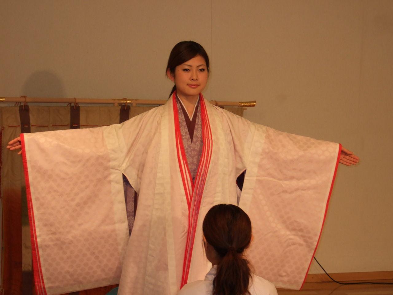 第43代姫路お城の女王のブログ : 敬宮愛子内親王殿下 ご成長記録写真と宮廷装束公開