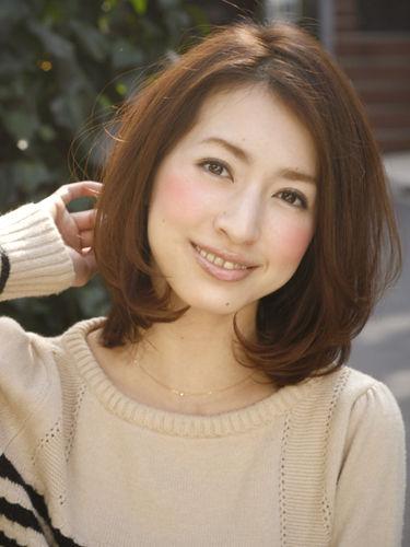 出典:2014年秋冬!40代女性にピッタリのヘアカタログ【ボブ・ミディアム】