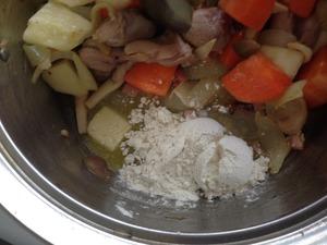 クリームシチューの調理、その6