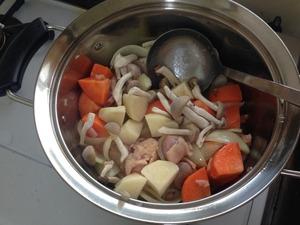 クリームシチューの調理、その5