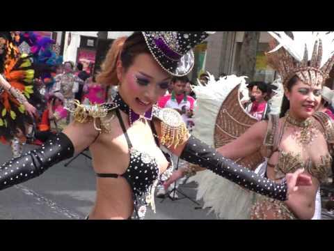 【動画】セクシーなサンバのお姉さん