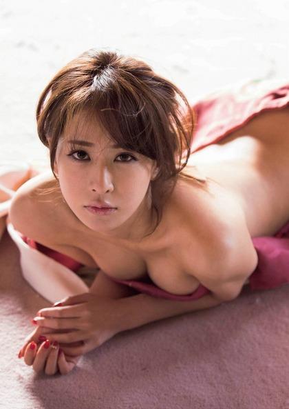 神室舞衣 エロい美尻 (31)