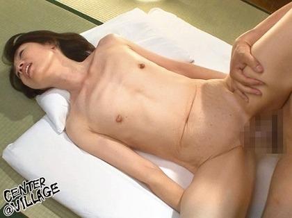 瀬川志穂 貧乳の長乳首とパイパンがエロイ (6)