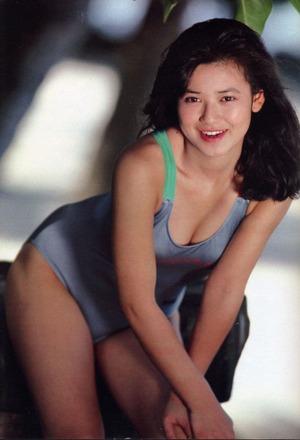 甲斐智枝美 (32)