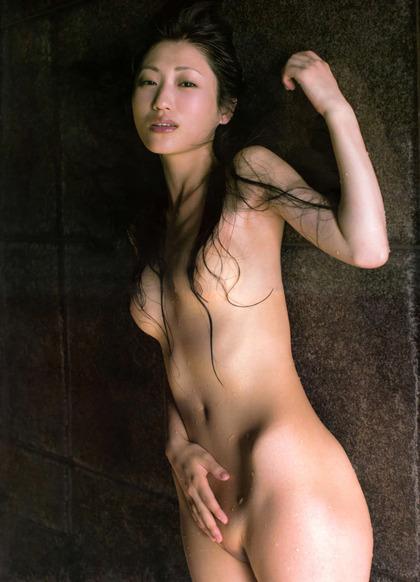 壇蜜さんのエロい画像 (25)