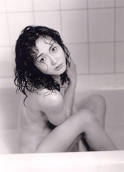 生稲晃子ヌード (16)