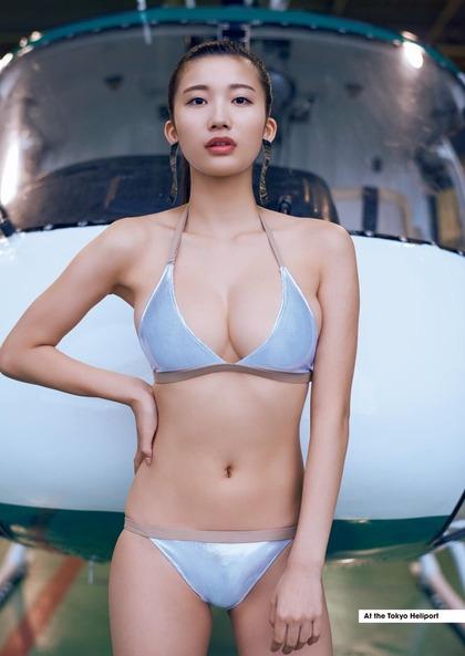 小倉優香 リアル峰不二子のエロイ肉体 (8)