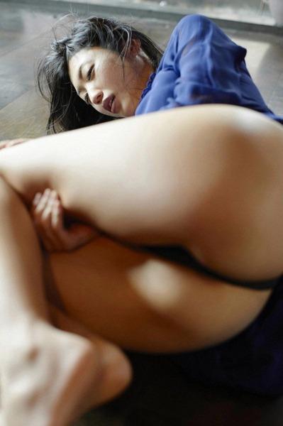 壇蜜さんのエロい画像 (45)
