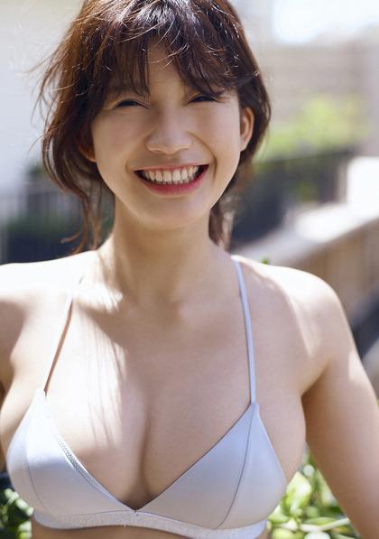 小倉優香 リアル峰不二子のエロイ肉体 (16)