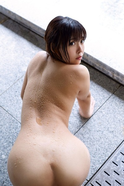 瀬戸ひなの94cmデカ尻着エロ (17)