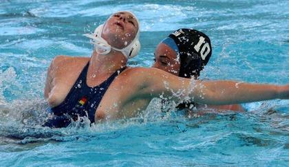 女子水球選手の水着 (33)