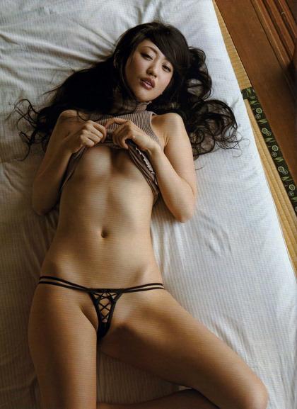 壇蜜さんのエロい画像 (38)