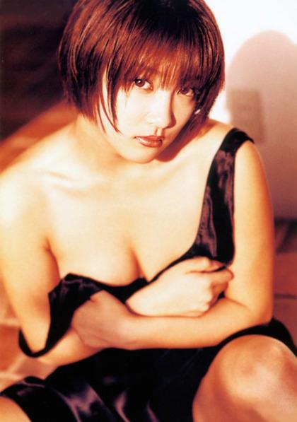 山田まり (49)