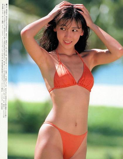 河合奈保子、岡田有希子とか昔のアイドル水着 (11)