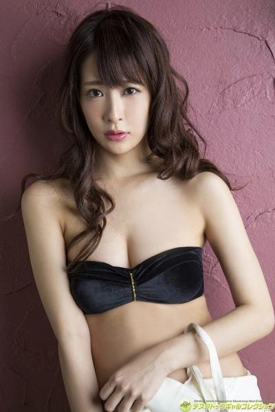神室舞衣 エロい美尻 (1)