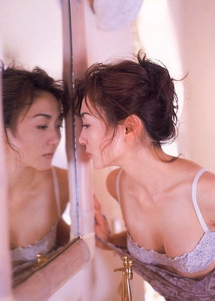生稲晃子ヌード (3)