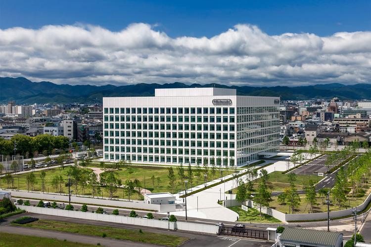 任天堂本社開発棟-006_南東側俯瞰03-298_HP