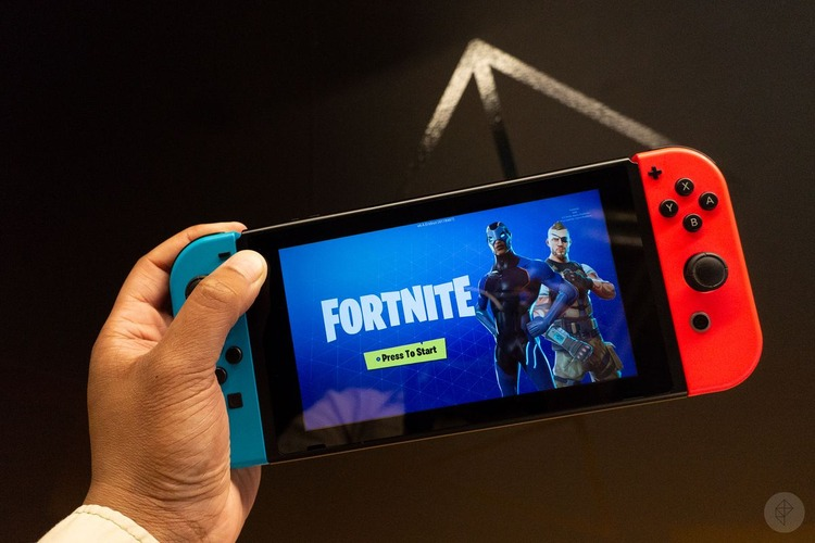 fortnite_on_switch_2400.1528827838