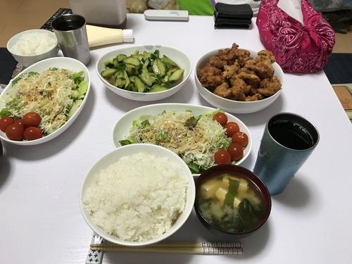 【画像あり】嫁29歳が不細工な俺のために作った夕飯wwwwwwwwwww
