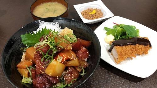 【画像あり】もりもり海鮮漬け丼定食だよ!!!!!!!!!