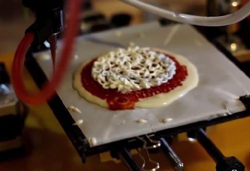 【国際】ピザだって作れる! NASA協力のもと米国の企業が開発した宇宙で使える3Dフードプリンター