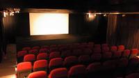 映画館で前の席のヤツにポップコーン投げるの楽しすぎワロタwwww