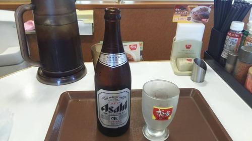 【画像あり】牛丼屋でビールしか頼まないマンの正体WWWWWWWW