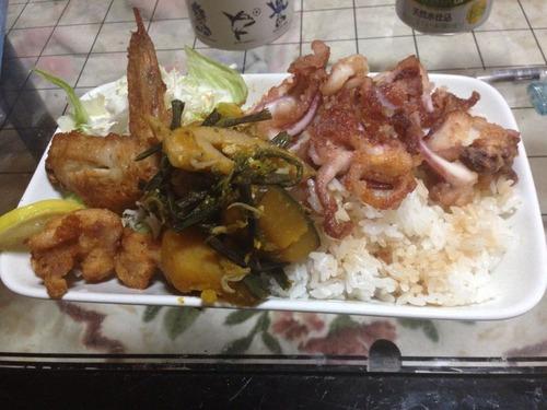 【画像あり】けっこう時間かけて夜ご飯作ったから評価してくれ!