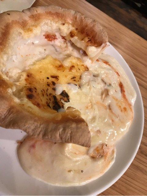 【飯テロ】金沢のとある食堂のびっくりピザなるものがとてつもないと話題に!!!