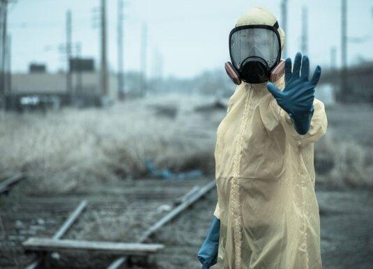 【新型コロナ】日本、とんでもない人物が感染……これ空気kおや、誰か来たようだ